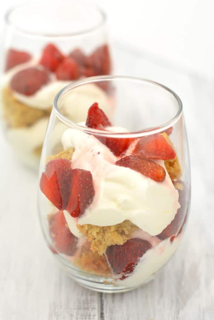 parfait-strawberry-cake