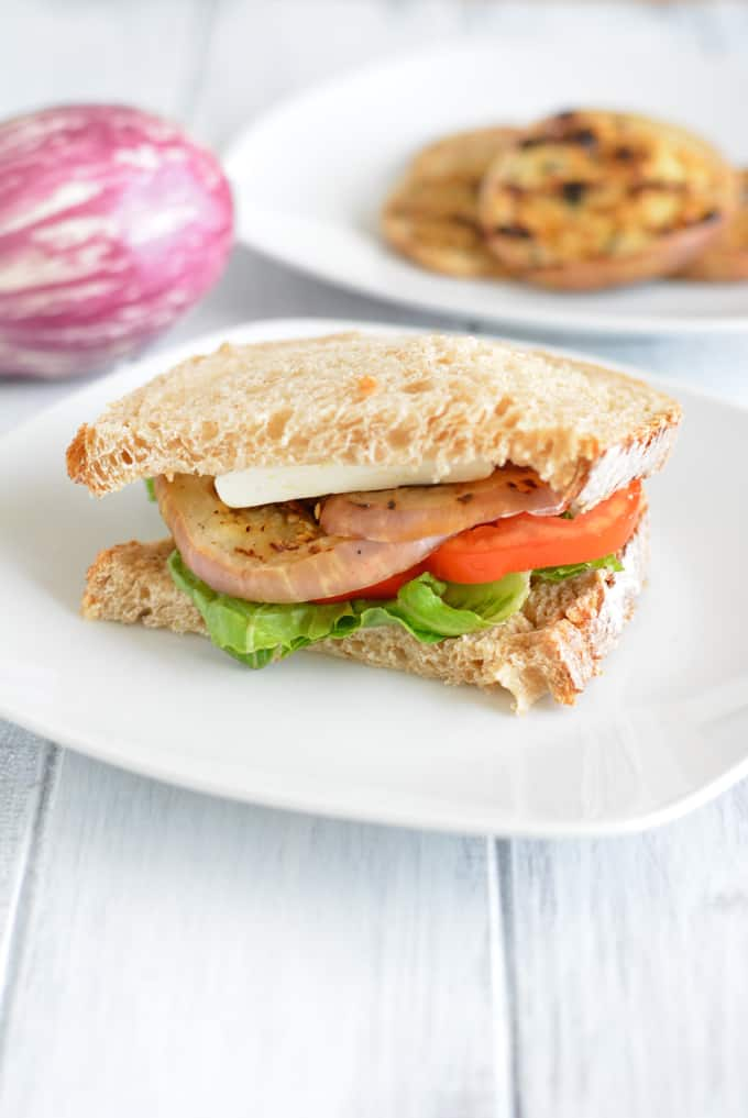 Grilled Eggplant Sandwich: meatless, quick and easy prepare meal.