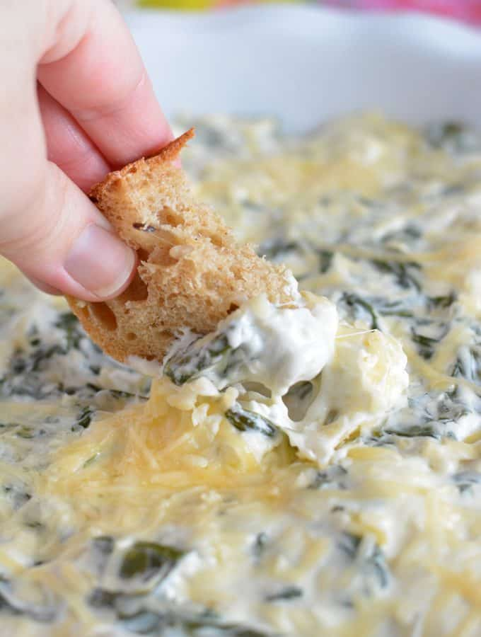 Easy Baked Spinach Artichoke Dip