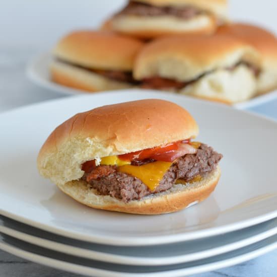 Easy Baked Bacon Cheddar Cheeseburger Sliders